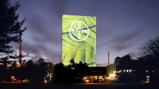 bayer-media-facade-10-08-09